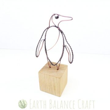 Penguin_Desk_Ornament_1