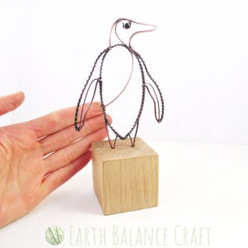 Penguin_Desk_Ornament_5